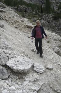 Al walking along a scree slope