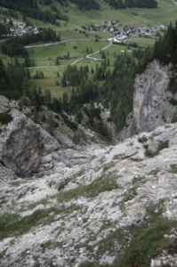 The view into Colfosco from the path 666 showing the steep descent