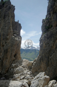 Gorgeous view from between 2 of the Pinnacles, out towards the Porte Vescovo Ridge