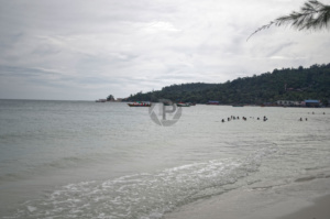 The beach and headland at Koh Tuic